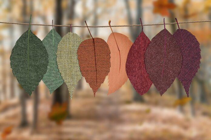 Image of fabric leaves on a thread, as a garland.