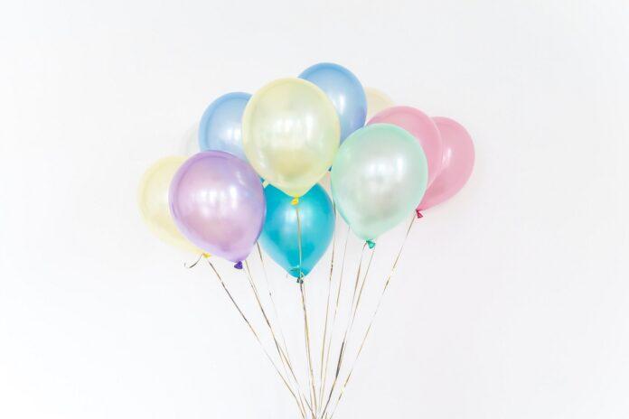 Image of pastel balloons.
